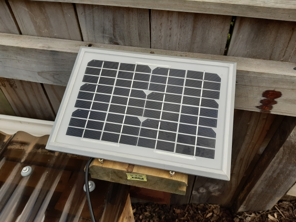 solar powered esp32 panel